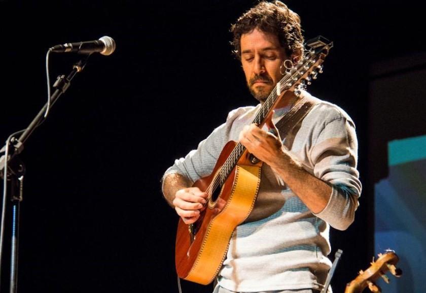 Cacai Nunes traz viola e música do cerrado para Caravana das Artes. | Foto: Divulgação