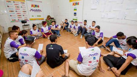 Arte fala por jovens em Maceió