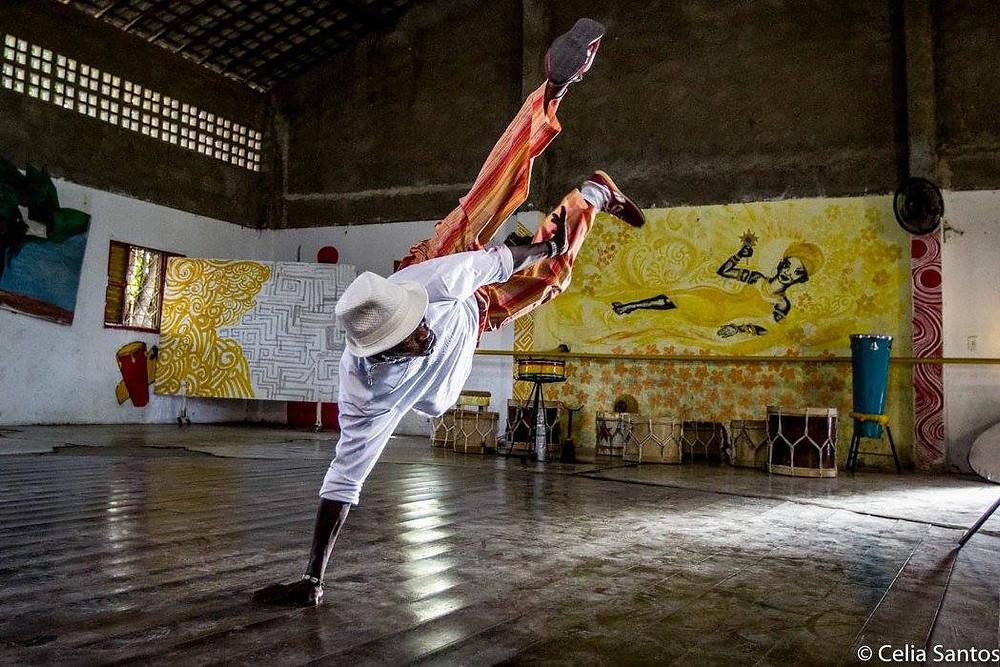 Capoeira e outras manifestações afro-brasileiras ganharam espaço na periferia do Recife depois da fundação do Ponto de Cultura Daruê Malungo. (Foto: Celia Santos)