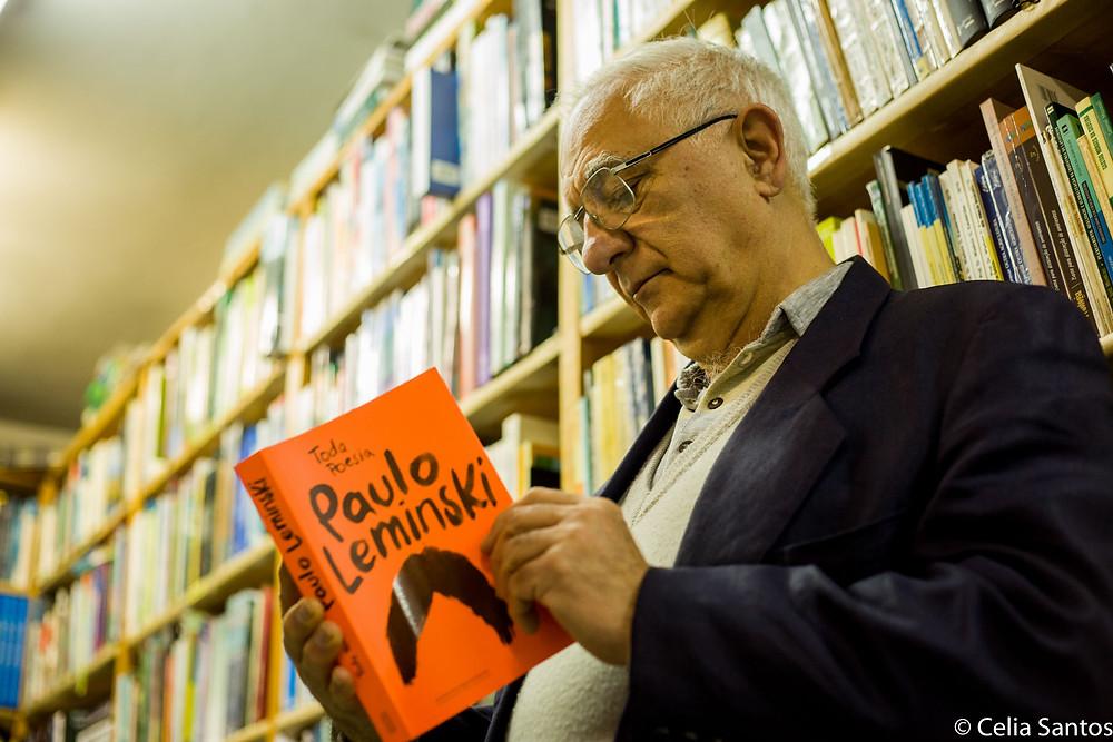 Chain não tem Leminski entre os autores preferidos, mas fala com respeito do poeta curitibano. (Foto: Celia Santos)