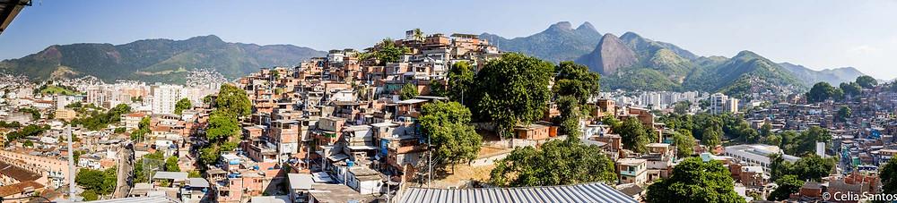 Morro dos Macacos começou com seis habitações e se expandiu rapidamente. (Foto: Celia Santos)