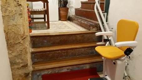 Casa Brasileira implanta cadeira elevador em imóvel  com arquitetura do século XVIII