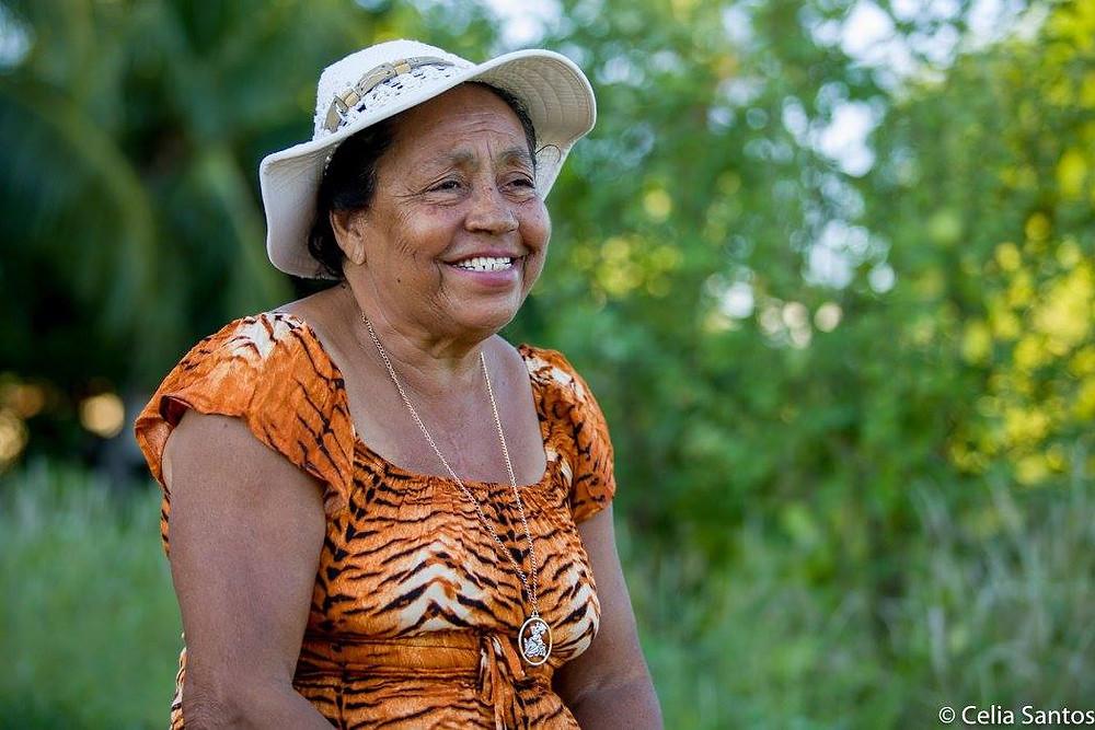 Dona Raimunda levou o Samba do Véio para tocar fora da Ilha do Massangano e dedicou muito esforço para que a tradição não se perca. Ela garante: o samba nasceu na Ilha do Massangano. (Foto: Celia Santos)