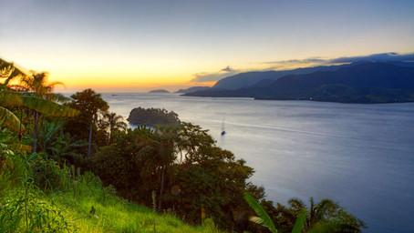 Assista a largada da Semana de Vela de Ilhabela em uma vista deslumbrante