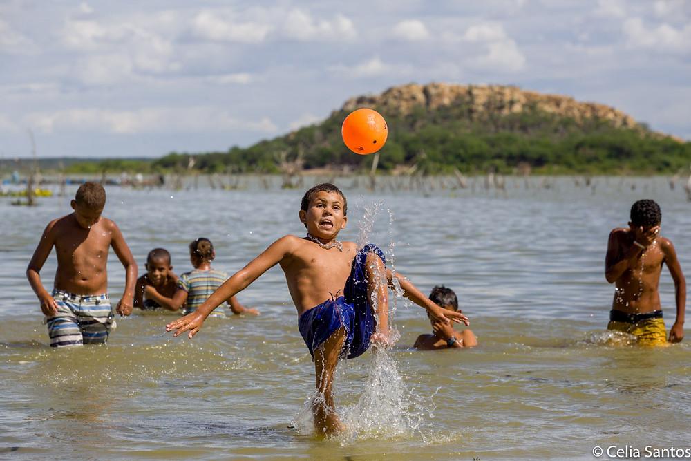 Saudosas lembranças do tempo onde não havia tempo, uma sabedoria da infância para nosso ser adulto. | Foto: Célia Santos