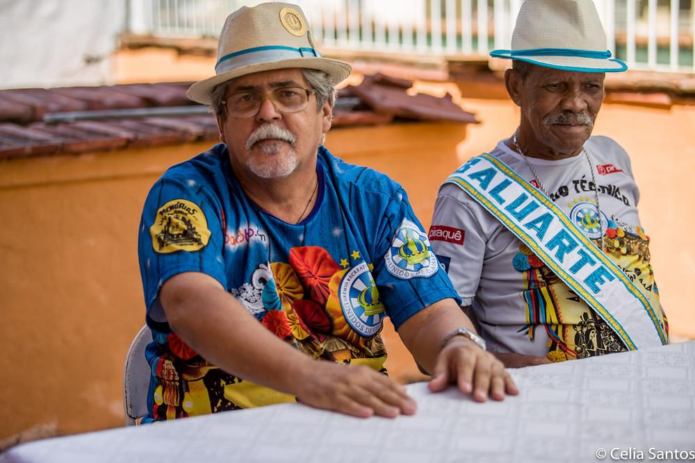 Lenilson destaca função educativa do samba e lembra que história do Brasil e do mundo aparecem nos enredos. (Foto: Celia Santos)
