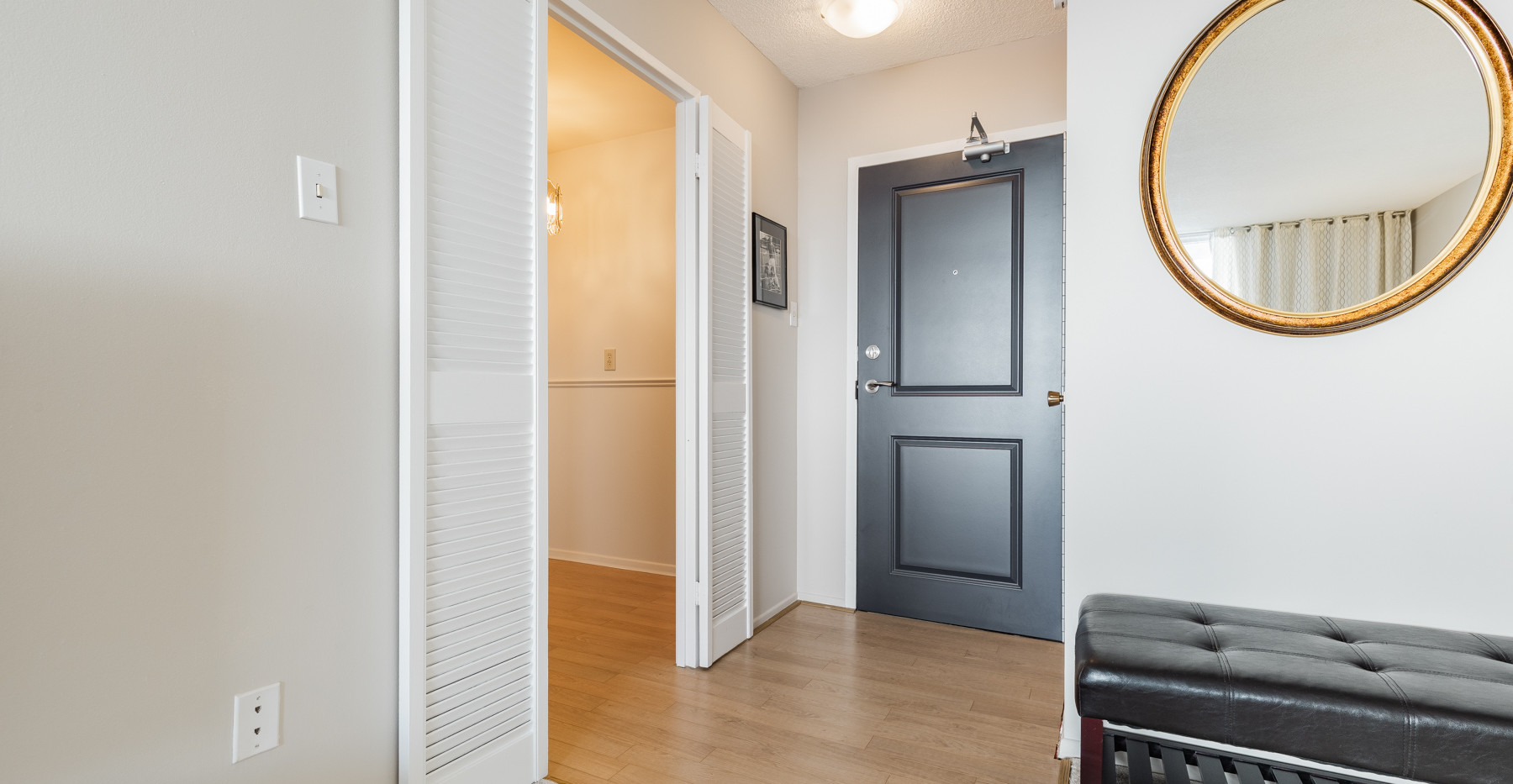 Foyer web_1-3.jpg