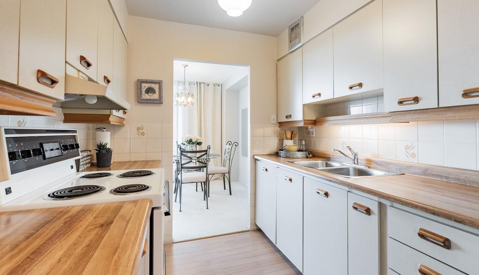 kitchen to dining web_1-11.jpg