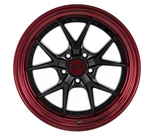 18x9.5 F1R F105 Black / Red