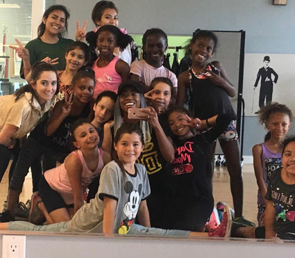 Show Off Dance Family