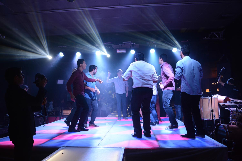 Galera dançando (3)