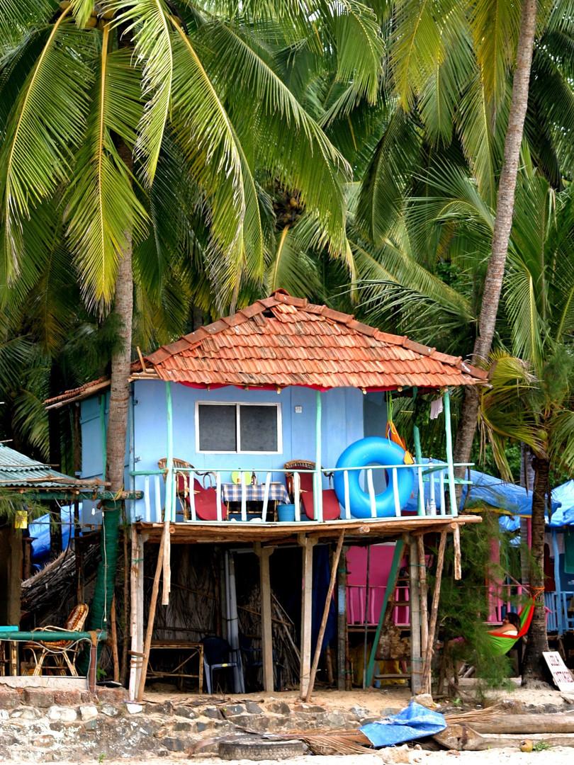 Cabane de bois sur la plage de Goa - Inde