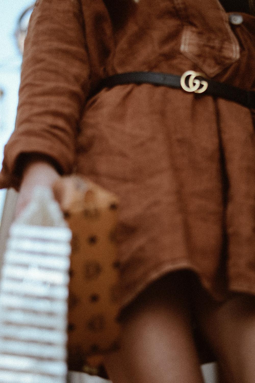 Gucci Gürtel & Leinen Kleid