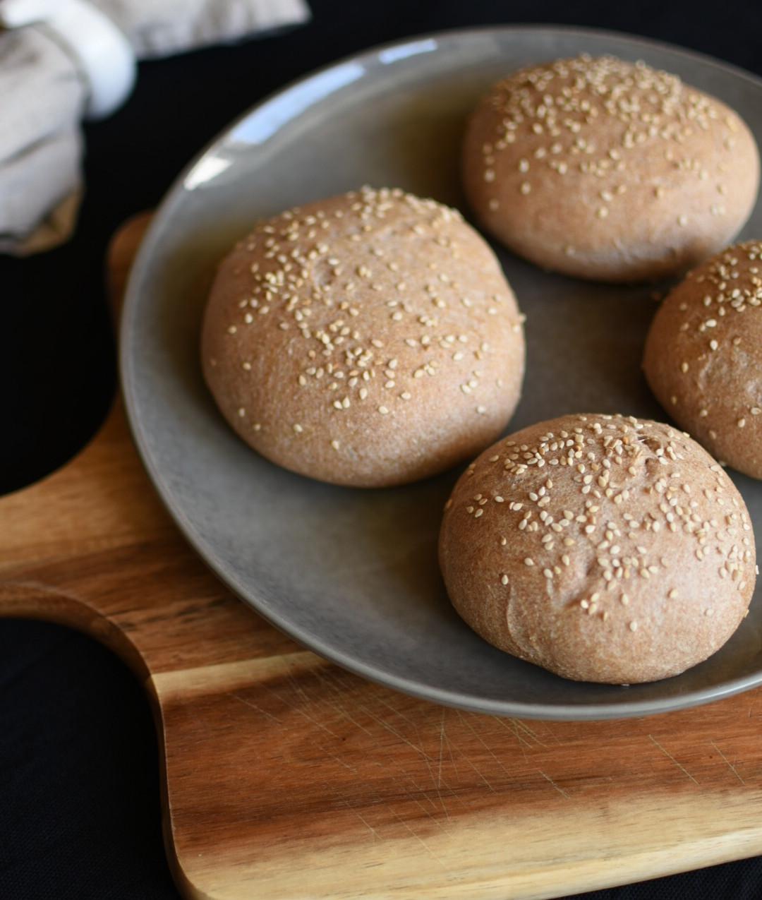 Homemade Vollkorn Burgerbuns