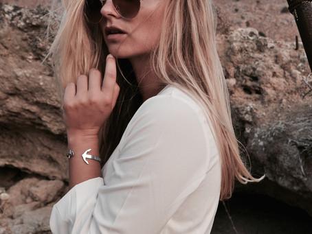WHITE DRESS - HIGH HEELS x LOUIS VUITTON FAVORITE MM