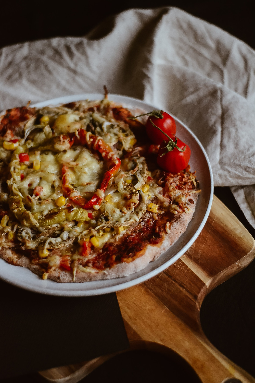 Pizza auf dem Pizzastein