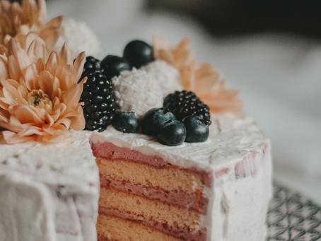 REZEPT: NAKED CAKE MIT FRISCHEN HIMBEEREN