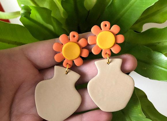 Floral vase earrings