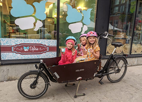 Dutch children with ice cream.jpg