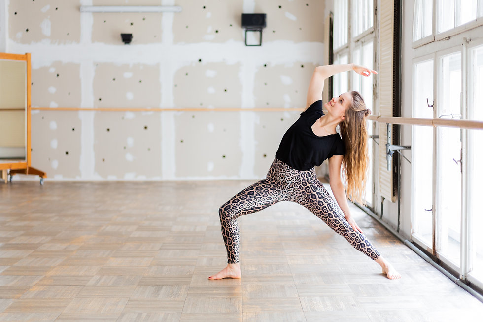 Yoga_Cora Sommer_Yoga_Copyright_Katja Ho