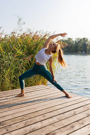 Cora Sommer_Yoga_AlteDonau_Copyright_Katja Horninger.JPG