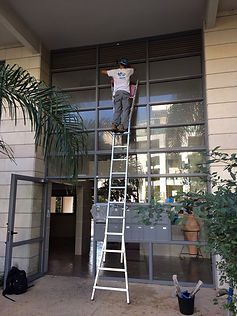 ניקוי חלונות גבוהים מקצועי - ספץ