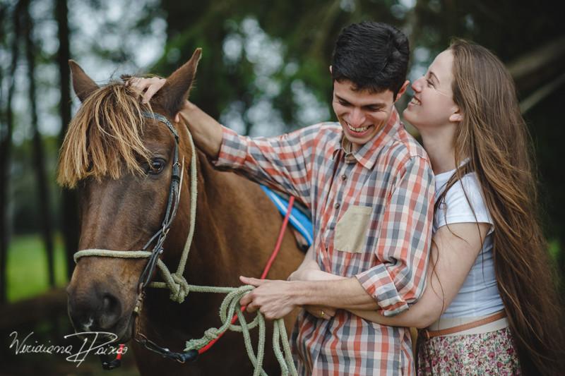 Luana&Layson_ensaio casal_pre wedding_dia_sol_nublado_haras fortaleza_sao jose dos pinhais (4).jpg