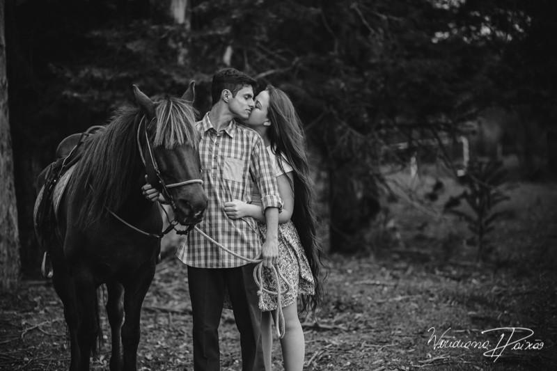 Luana&Layson_ensaio casal_pre wedding_dia_sol_nublado_haras fortaleza_sao jose dos pinhais (3).jpg