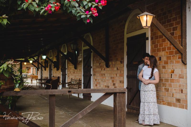 Luana&Layson_ensaio casal_pre wedding_dia_sol_nublado_haras fortaleza_sao jose dos pinhais (18).jpg