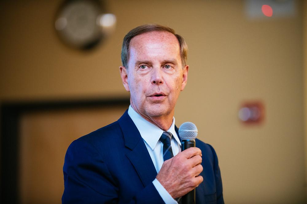 Dr. Jim Turner (Medical Director, Lugar Center) speaks to students