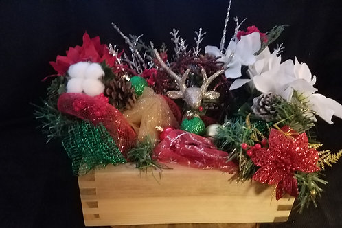 Finger jointed Centerpiece with HolidayDecor