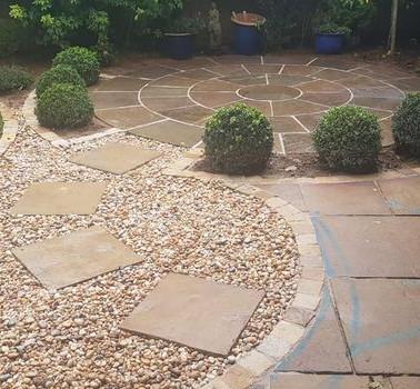 Circle motif garden