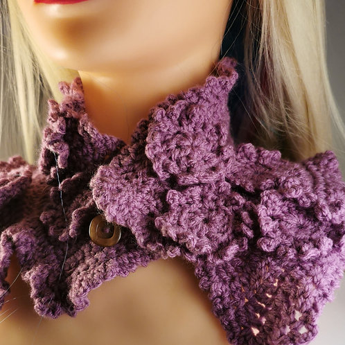 Lilac crocheted neckwarmer