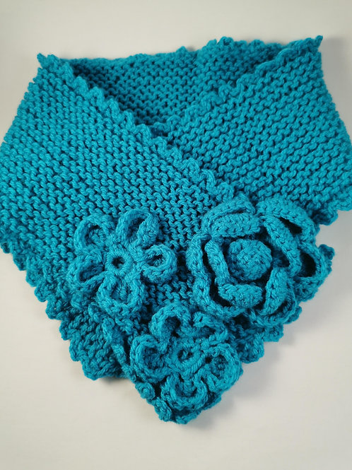 Turquoise neckwear with crocheted flowers