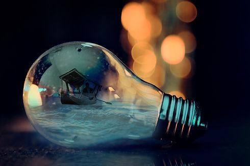 bulb-3596436_1920.jpg
