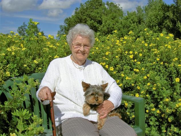 Betreuerische Möglichkeit mit Tieren auf dem MartinsHof Grabow | Wohnen mit Pflege und Betreuung | Komfort-Service-Wohnen und Betreute Ferien im Ferienland Prignitz | Ferien-Wohnparadies für erwachsene Menschen mit Handicap