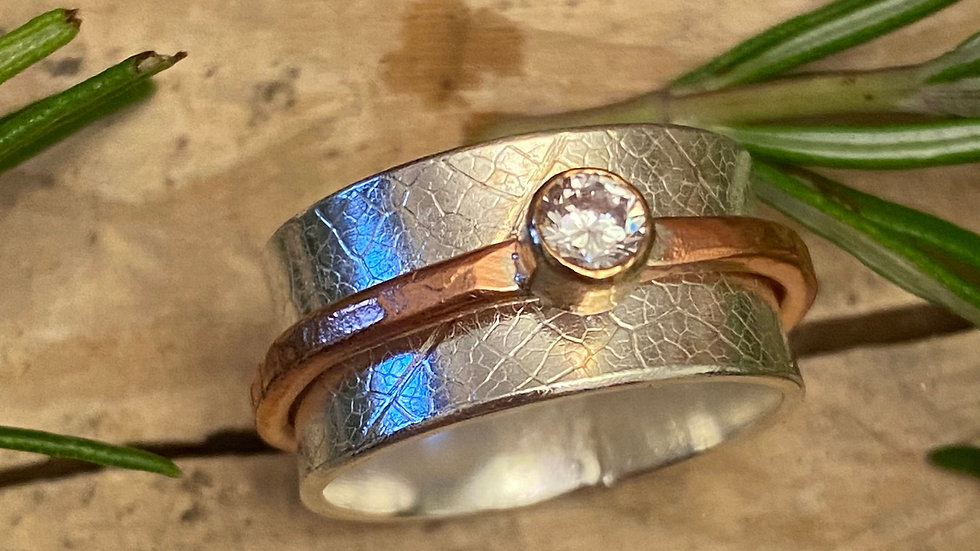 Size O  'CZ'  Spinning Ring in Silver & Copper