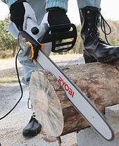Ryobi chainsaw cutting large log