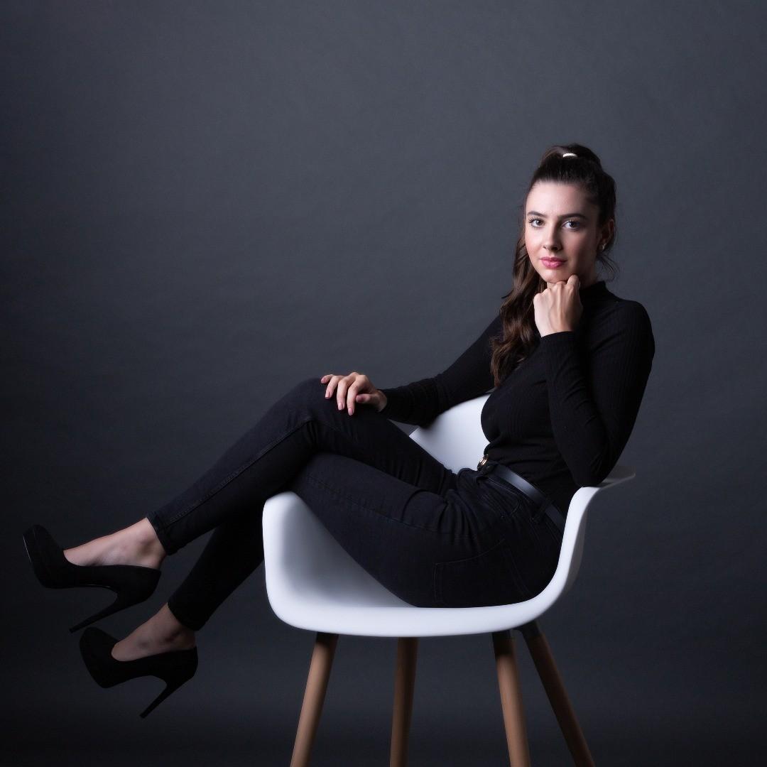 Portrait jeune femme - Larïssa