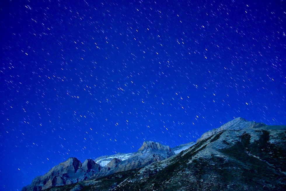 4 ドルポ最大の聖なる山 シェー山.jpeg