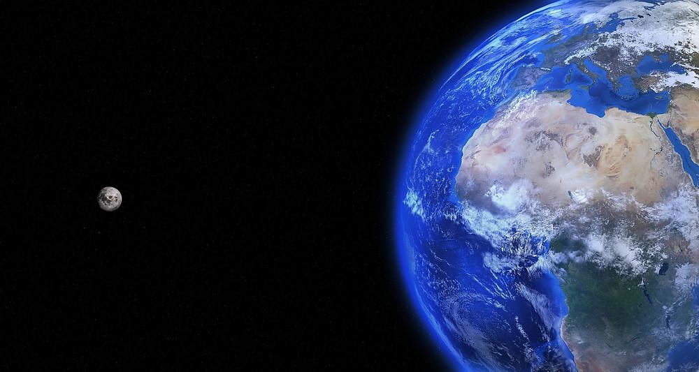 earth and moon by qimono