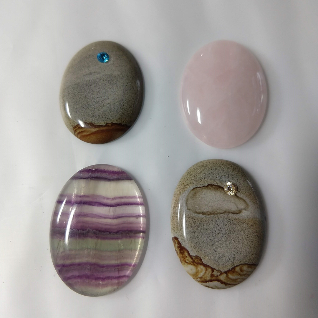 Cabochon with inset CZ