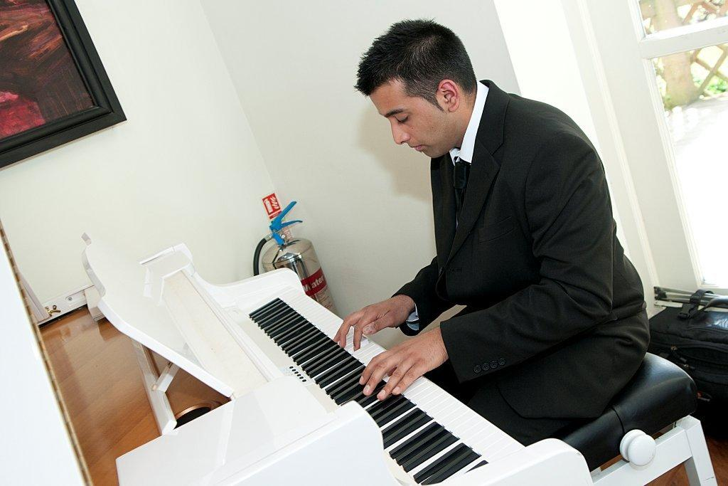 Bollywood Pianist