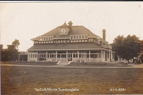 Sunningdale Golf Club House Ref.579