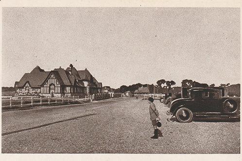Dieppe Golf Club House & Car Park Ref.2833 C.ea 1900s