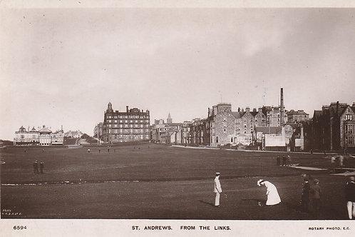 St.Andrews Links & 1st Green Ref.2682 C.pre 1907