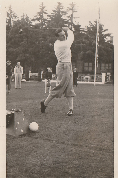 "Cotton, Henry  3 time ""Open"" Champion Ref.2543 C.1960"
