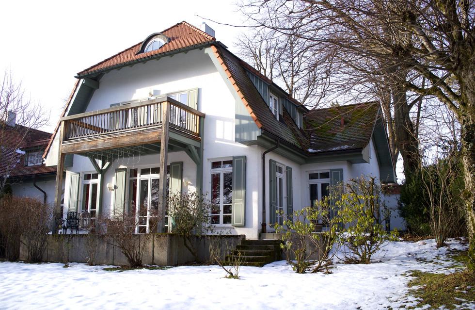 Gartenansicht: Villa in Starnberg