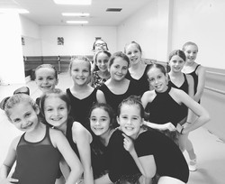 Dancers_Group_BW_001