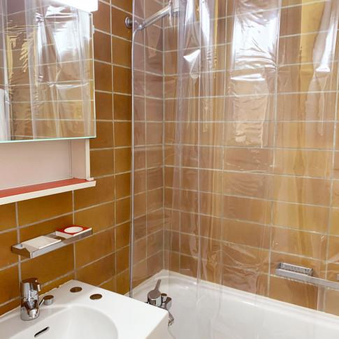 Rossi_Bathroom_1.jpg